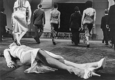 Kontakthof Tanztheater Wuppertal Pina Bausch Urauffuehrung 9.12.1978